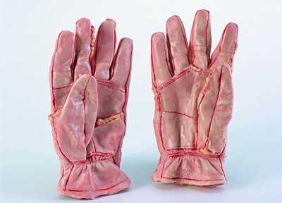 Изделия из человеческой кожи фото 17