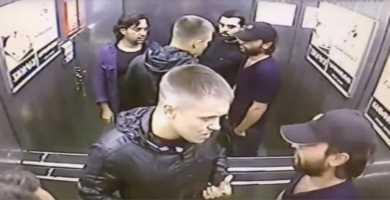 Парень поколотил в лифте троих оппонентов