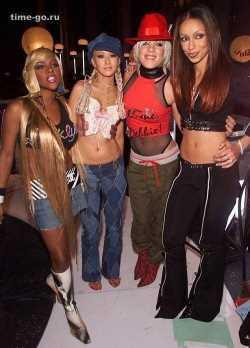 Вот весь выше перечисленный стиль 2000-х в одном фото