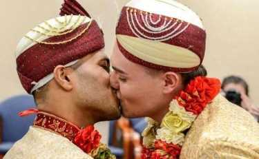 мусульманская гей-пара сыграла свадьбу
