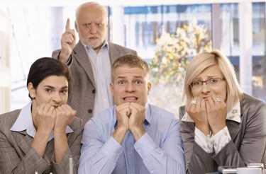 30 фраз, которые нельзя говорить при начальстве